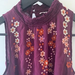 Tops - 5/$20 Lovely, floral, embroidered, blouse